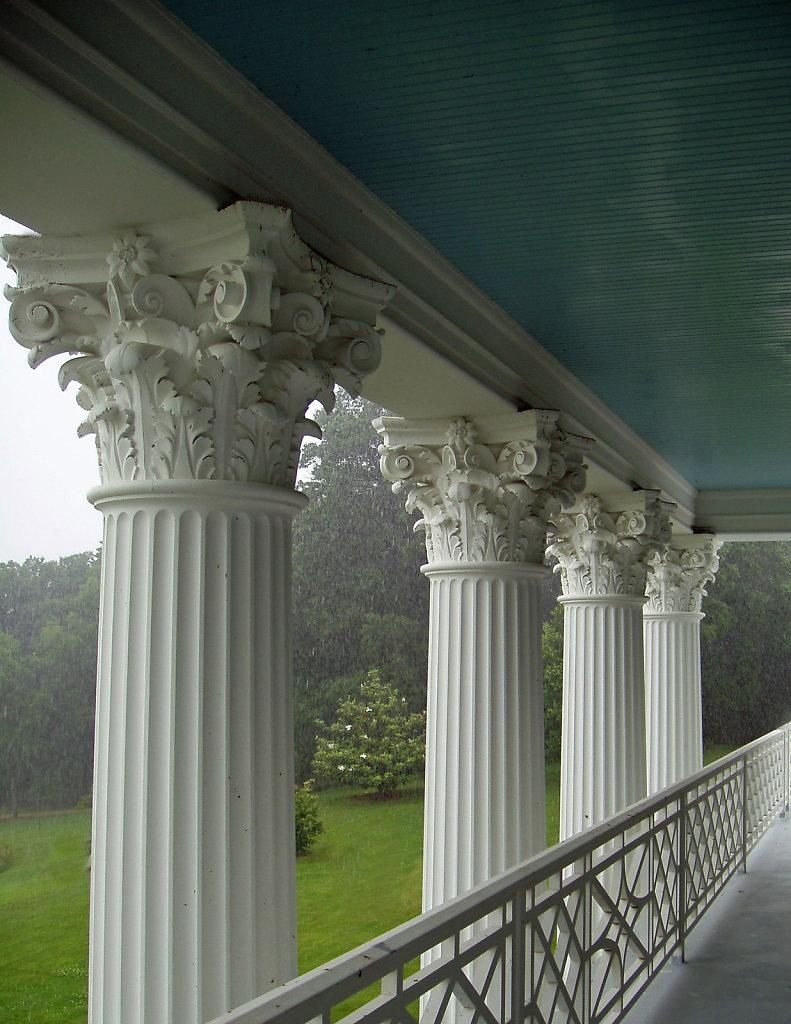 Frederick-Hart-Chadsworth-Corinthian-Wood-Columns-p.jpg